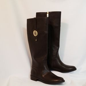 NWOT Tommy Hilfiger Brown Boots Size 8M